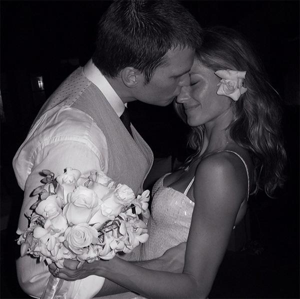 Gisele Bundchen i Tom Brady na vjenčanju 2009. Prva objavljena fotka sa njihovog vjenčanja
