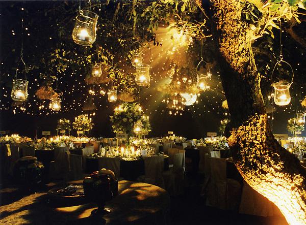 Vjenčanje na otvorenom po noći