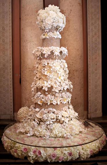 torta-za-vjencanje-ogromna